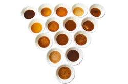 每家黑木耳汁顏色、濃稠度都不同(圖片來源:中國時報/鄧博仁)