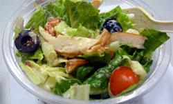 就算攝取相同熱量,缺少蔬果等新鮮營養,也會提高你越來越胖、食慾越難滿足的機會喔!