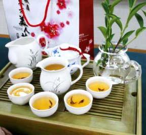 東方美人茶  (圖片來源:東方美人茶官網)