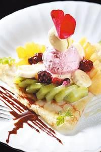 玫瑰水果派薄餅 (圖片來源:中國時報/鄭夙玲)
