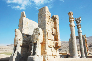 Propolis是伊朗最具代表性的波斯宮殿,古城恢宏的樣貌讓旅人可以感受到過去波斯帝國的氣勢。黃麗如/攝影