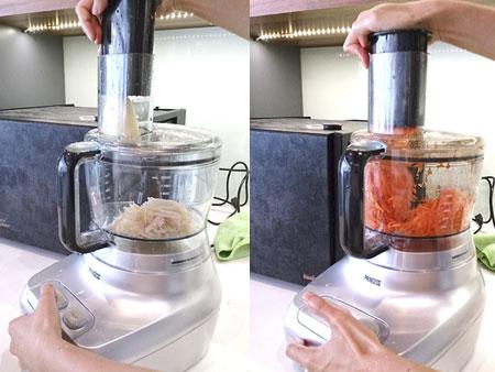 利用Princess專業級食物處理機快速地將食材切絲