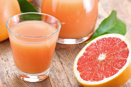 冬季盛產的柑橘類水果─橘子、柳橙、柳丁和葡萄柚,都有豐富的維生素C