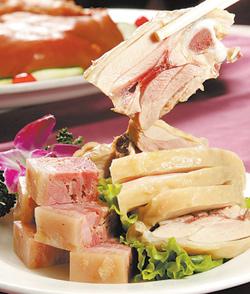 銀翼的肴肉、醉雞腿、風雞前菜拼盤,小份390元、大份975元。陳信翰、鄧博仁/攝影