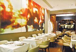 Bo Innovation是香港知名分子料理餐廳,成功把中菜解構與重組。高政全/攝影