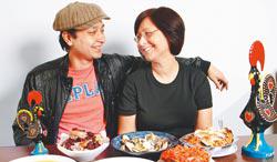 從澳門來台灣發展星途的杜俊偉,找媽媽Almerinda一起在台灣賣起澳門葡國菜。■鄧博仁/攝影