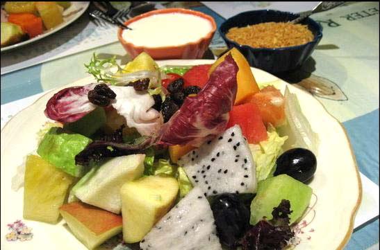 優格水果生菜沙拉