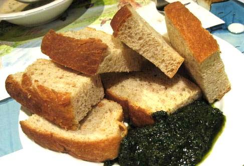 烤麵包附青醬