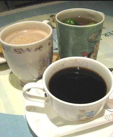 熱奶茶 / 熱咖啡 / 養生茶