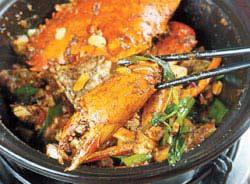 現殺現煮,香辣中吃得出自然鮮甜味,除了乾吃,另可加100元加湯,成為另類鍋底