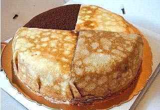 四合一千層蛋糕瞬間成了網路上最夯的「母親節蛋糕」