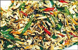 梅龍鎮小魚干辣椒為頗受歡迎的小菜