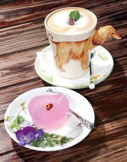 花想容的下午茶特惠,只要99元,讓遊客在浪漫的空間喝咖啡
