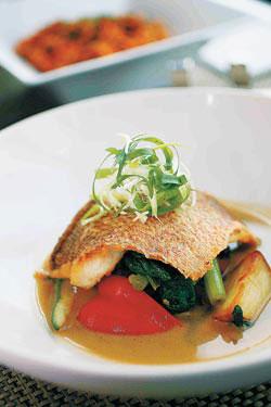 香烤柑橘橄欖油鱸魚