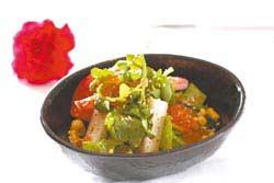 松葉蟹有機蔬果沙拉以西羅岸村有機蔬菜和日本松葉蟹結合,作為開胃前菜,湯宴菜單每套1200元