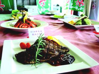 青蔥運用在西式料理也有好表現,三星地區農會以青蔥加工品,包括青蔥醬、蔥粉,委由羅東鎮POTATO洋芋西餐廳設計,推出一道完全以「蔥」為主題的「蔥明套餐」。