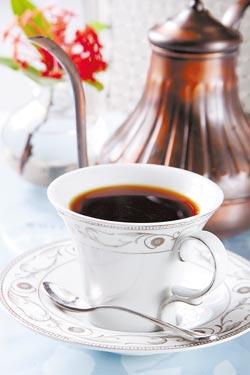 來自蘇門答臘的曼特寧為中淺焙咖啡豆,口感溫潤並帶有微酸,但喝到最後,卻又有回甘的喉韻。