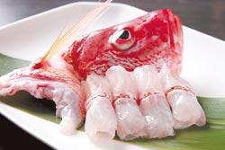 海雞母/來自澎湖的海雞母,肉質比鯛魚還要鮮嫩,甘甜味美,一點腥味都沒有,但由於海鮮食材每天不同,並不一定吃得到。