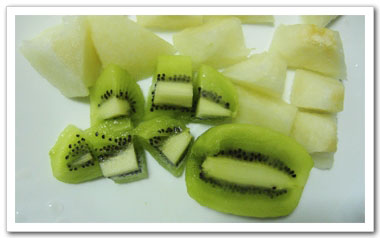 切過的水果請勿在室溫下放置太久,避免衛生安全的疑慮