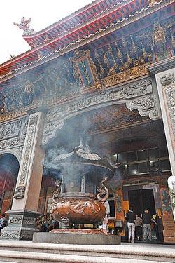 竹林山觀音寺是林口信仰中心,香火鼎盛。