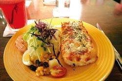 「璞石咖啡」的餐點在當地頗富盛名,住宿的客人可以享用招牌早餐。