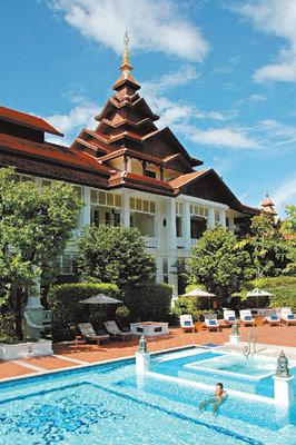 旅店主要分villa和前年剛完成的殖民風情區,殖民風情區緊鄰游泳池,且房間均為大坪數,設計沿襲曼谷東方文華的風格。黃麗如/攝影