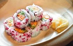 龍蝦沙拉細卷/320元+10%▲無論是視覺與味覺,都像走進京都老街,是登峰造極之味。攝影  陳信翰