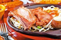 熊野豬排/168元▲豬肋排以小茴香、香芹粉醃漬兩天入味,吃起來帶有獨特香料味。攝影  鄭夙玲
