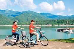 ▲騎著單車優遊大埔,可以感受秋風的清爽與曾文水庫的水清山美。攝影  黃麗如