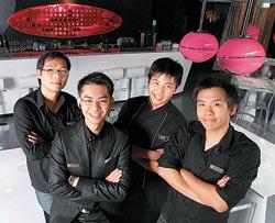 ▲MOJO從投資者到廚師、調酒師,都是大男生,打造年輕和時尚氛圍。攝影  鄧博仁