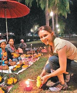 ▲泰國水燈節吸引來自世界各地的旅人參加這場祈福盛典。攝影  黃麗如