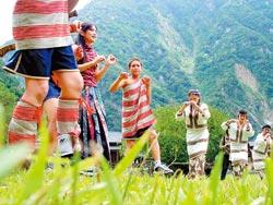 ▲泰雅族、賽德克族與太魯閣族血緣與文化相近,唱歌跳舞有點生硬,但打獵時就像風一樣迅速。攝影  陳志東