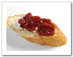 ▲果醬搭配麵包是最常見的吃法。(口袋農場提供)