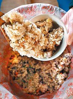▲芋頭飯使用生米與芋頭翻炒一小時,光吃飯也很滿足。攝影  王錦河