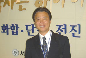 王文甫藥師經常出席國際間的會議。