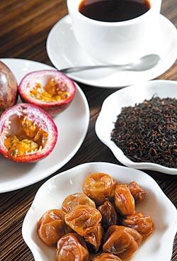 ▲南投在地農產:梅子、百香果、台茶8號,甚至有機玫瑰花,全都成為巧克力的好伴侶。攝影  陳信翰