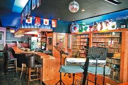 店景▲莫利酒館前身是老字號的Amy's活力餐廳,多了時尚元素的內部裝潢。攝影  楊為仁