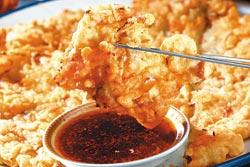 韓式海鮮煎餅/150元▲加入特製糯米粉,讓外皮變得膨鬆酥脆,沾醬汁吃非常可口。攝影  鄭夙玲