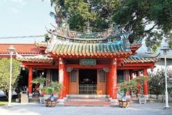 ▲林先生廟歷史悠久,外觀古樸,是八堡圳工程的重要地標。攝影  張鎧乙