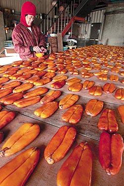 ▲冬季的台灣西南沿海烏魚子正肥美,春節是嘗鮮好季節。攝影  陳志東