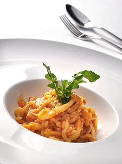 義式菇蕈燉飯▲結合多種菇蕈的滑口與清香,米飯粒粒飽滿而有味。攝影  王英豪
