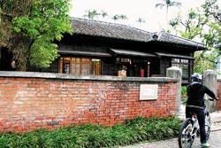 ▲宜蘭社福館也是綠建築代表,有戶外空間,通風十分良好。攝影  王曉鈴