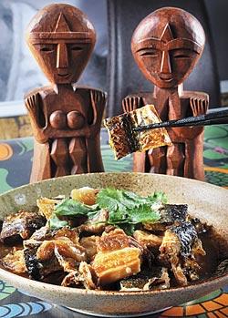 飛魚扣肉/280元▲飛魚乾當鯗魚,與五花肉一起紅燒入味,既酥且鮮。攝影  劉宗龍