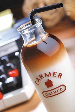 小學生咖啡/120元▲風味類似咖啡牛奶,口感甜郁帶奶香,最受女生喜歡。攝影  鄭夙玲