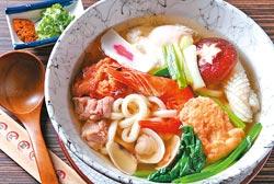 讚岐海鮮烏龍麵/120元▲用料豐富的海鮮食材,帶出柴魚昆布高湯的甘鮮味,搭配的是滑溜順口的烏龍麵。攝影  楊為仁