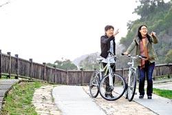 ▲津仁步道騎車需要好腳力,穿梭山間沿途欣賞海景。攝影  陳信翰