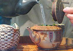 ▲一壺好茶,清香淡雅,梨山茶特有的花果香紅遍中港澳。攝影  陳志東