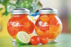 來幸福20號農場體驗水果蜜餞DIY,帶回家兩天後就可品嘗。黃國書/攝影