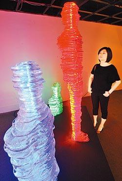 在玻璃藝術節可以看到光影和玻璃交會出的迷人藝術氛圍。許正宏/攝影