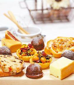 法蘭司新上市中西鹹甜兼具的點心  (圖片來源:中國時報/陳志源  攝影)